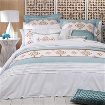 Logan and Mason Santa-Fe Teal Bedding